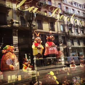 Store-Front La Bonbonnière swiss chocolatier easter 2016 Geneva